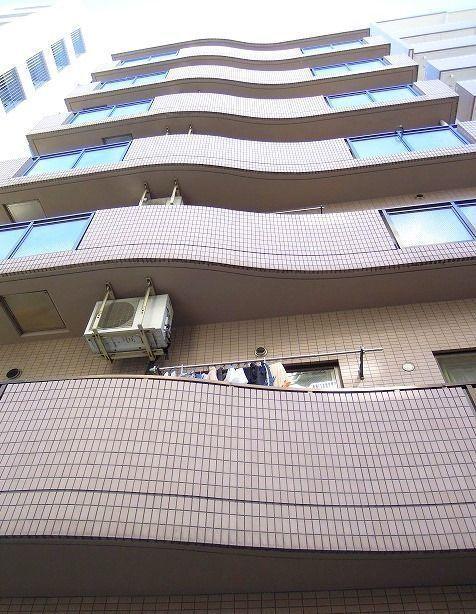 中央線三鷹駅南口,徒歩6分の最上階のマンション,3LDKで92㎡の広々住まい 表紙