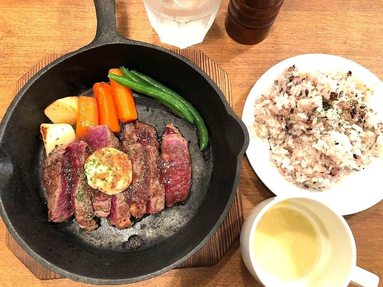 吉祥寺の肉料理専門店バルルのステーキ