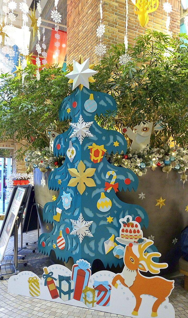 吉祥寺アトレのクリスマスツリーです