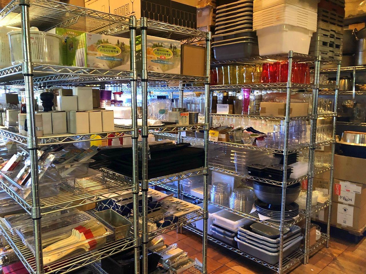 吉祥寺のグランキオスクの食器売り場