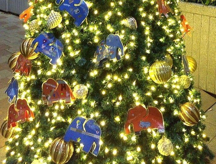 吉祥寺北口のはな子のクリスマスツリー
