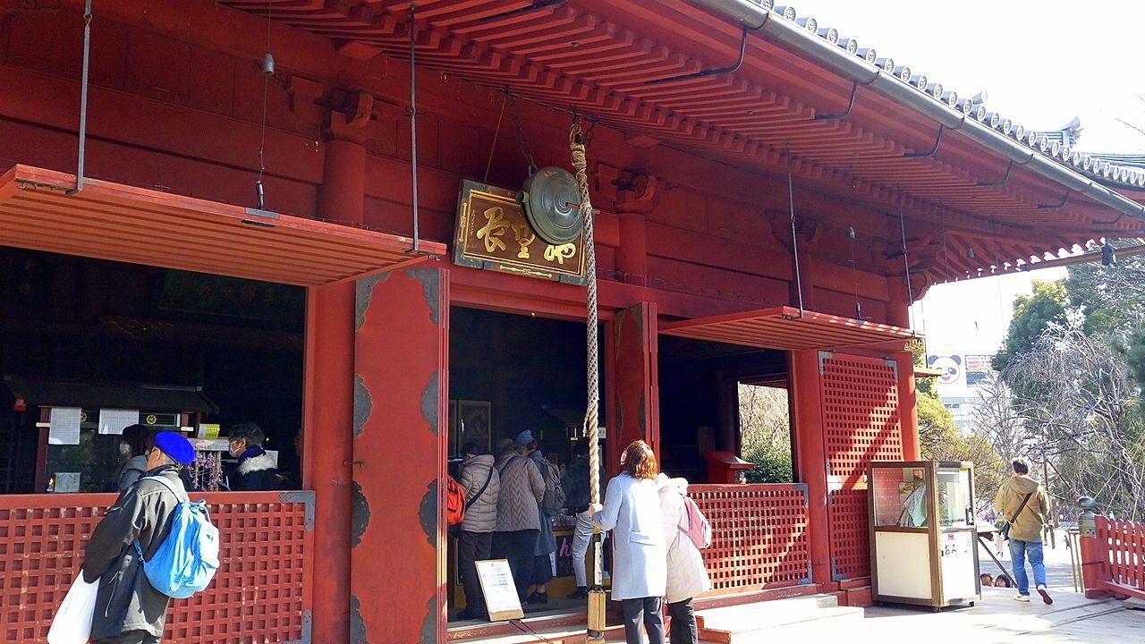 上野の森美術館の近くの 寛永寺 清水観音堂