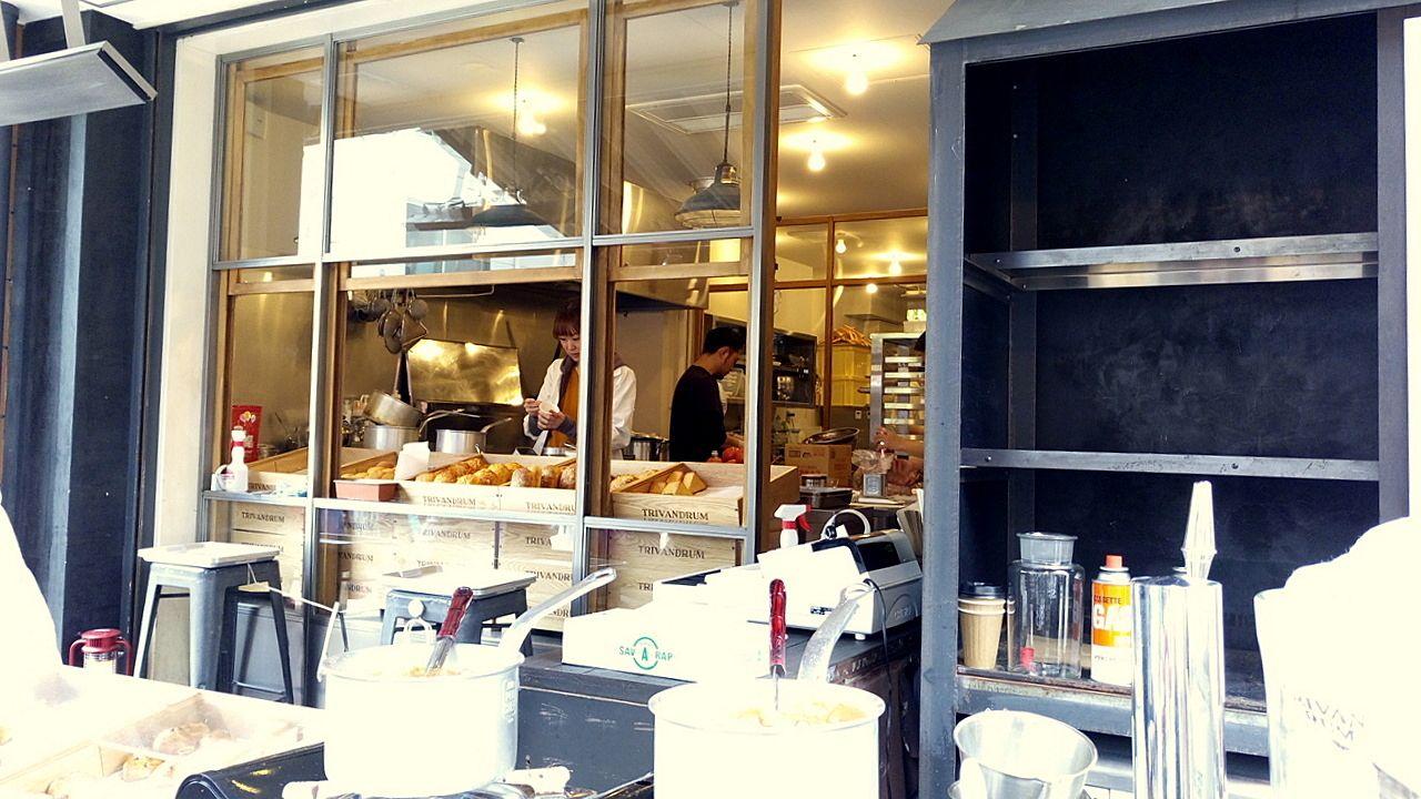 TRIVANDRUMは店内で焼き立てのパンを提供