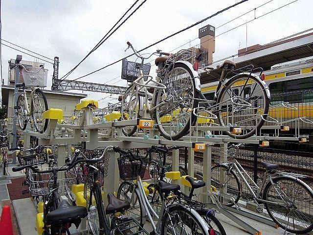 JR中央線、三鷹駅の立体駐輪場