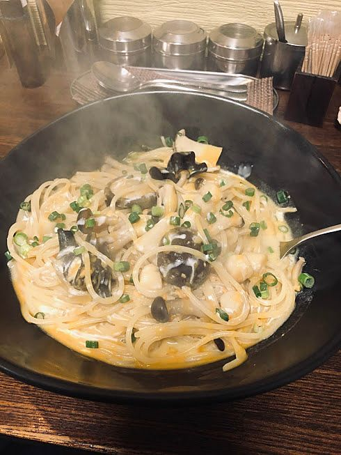 貝柱ときのこ、うにがいっぱいのスパゲティー「わざや」