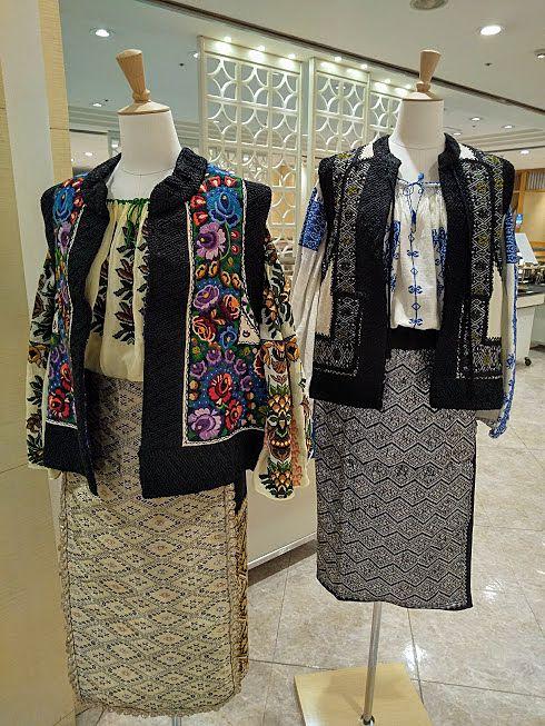 ルーマニアのかなり細かい刺繍の洋服も展示
