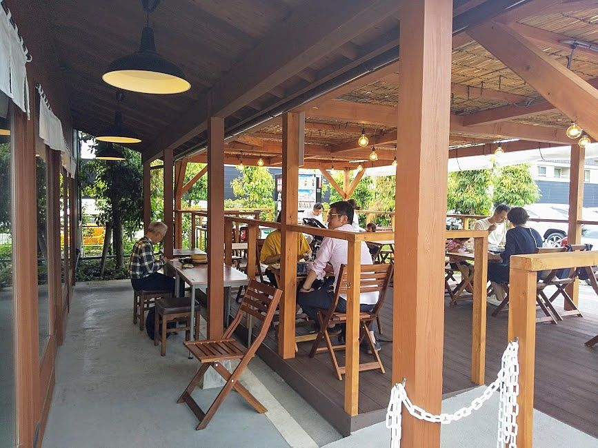 丸亀製麺、武蔵境店のテラス席